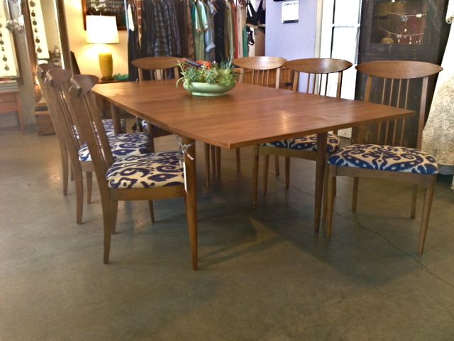 awesome dining table set with wooden dining chairs with floral seat and wooden dining table by broyhill furniture for dining room furniture ideas