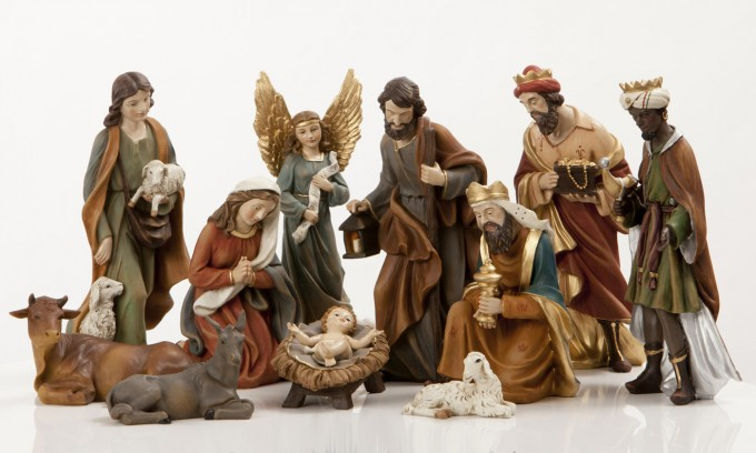 Awesome Nativity Sets With Seated Goat For Christmas Decoration Ideas