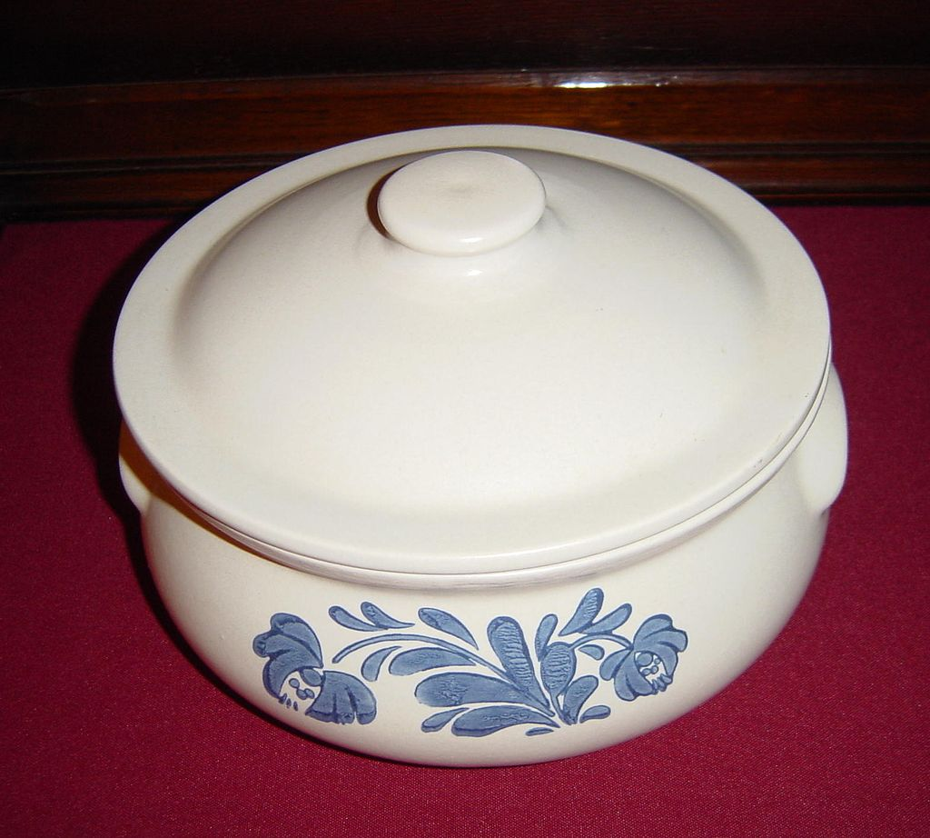 Awesome Pfaltzgraff Yorktowne Casserole With Cover And Floral Motif For Dinnerware Ideas