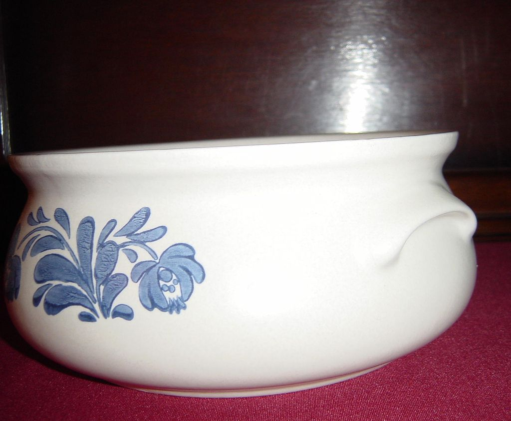 awesome Pfaltzgraff Yorktowne Casserole with Cover for serveware ideas