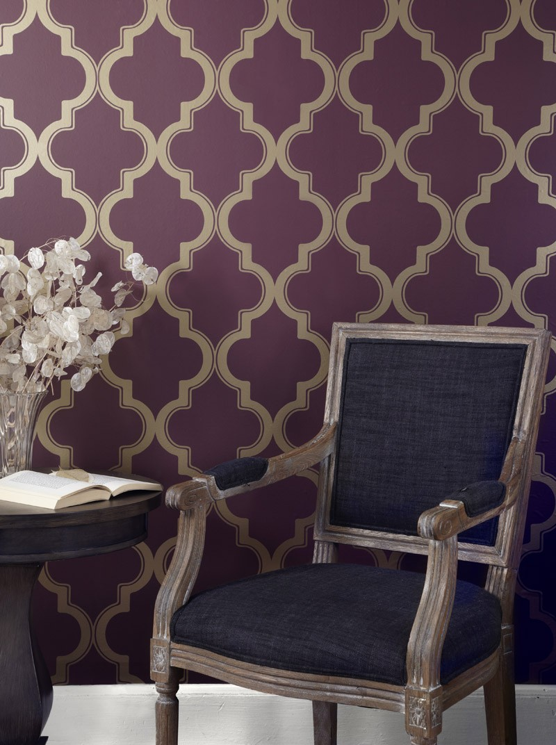 awesome tempaper wallpaper in purple base color plus chic chairs and wooden round table for living room decor ideas
