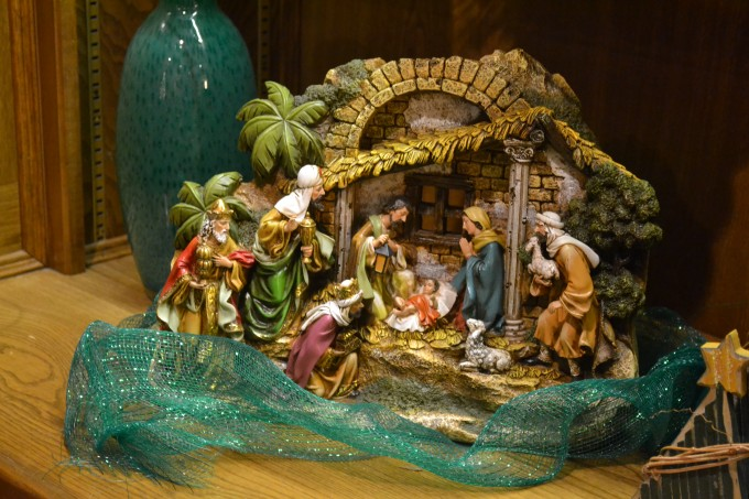 Beautiful Holy Family Nativity Sets For Christmas Decoration Ideas