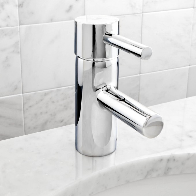 Charming 32 216000 Essence Single Handle Centerset Bathroom Faucet By Grohe Faucets For Bathroom Furniture Ideas