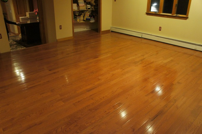 Chic Bruce Hardwood Floors Matched With Cream Wall With Wooden Baseboard For Home Interior Design Ideas