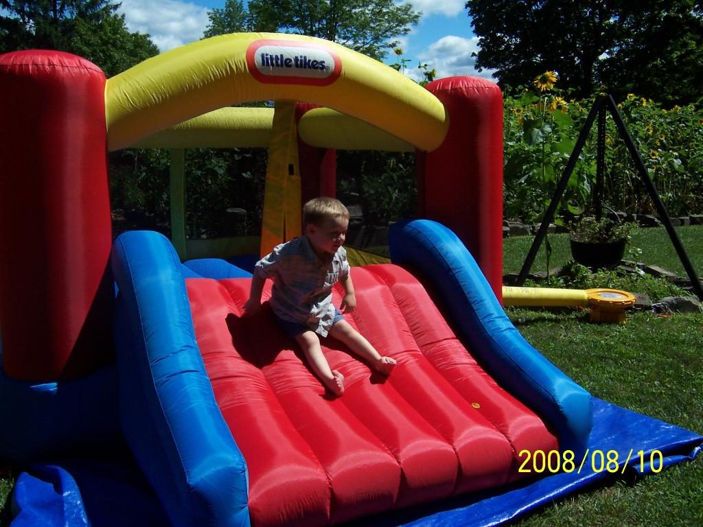 Chic Little Tikes Bounce House Made Of Caoutchouc With Red Slide For Play Yard Ideas