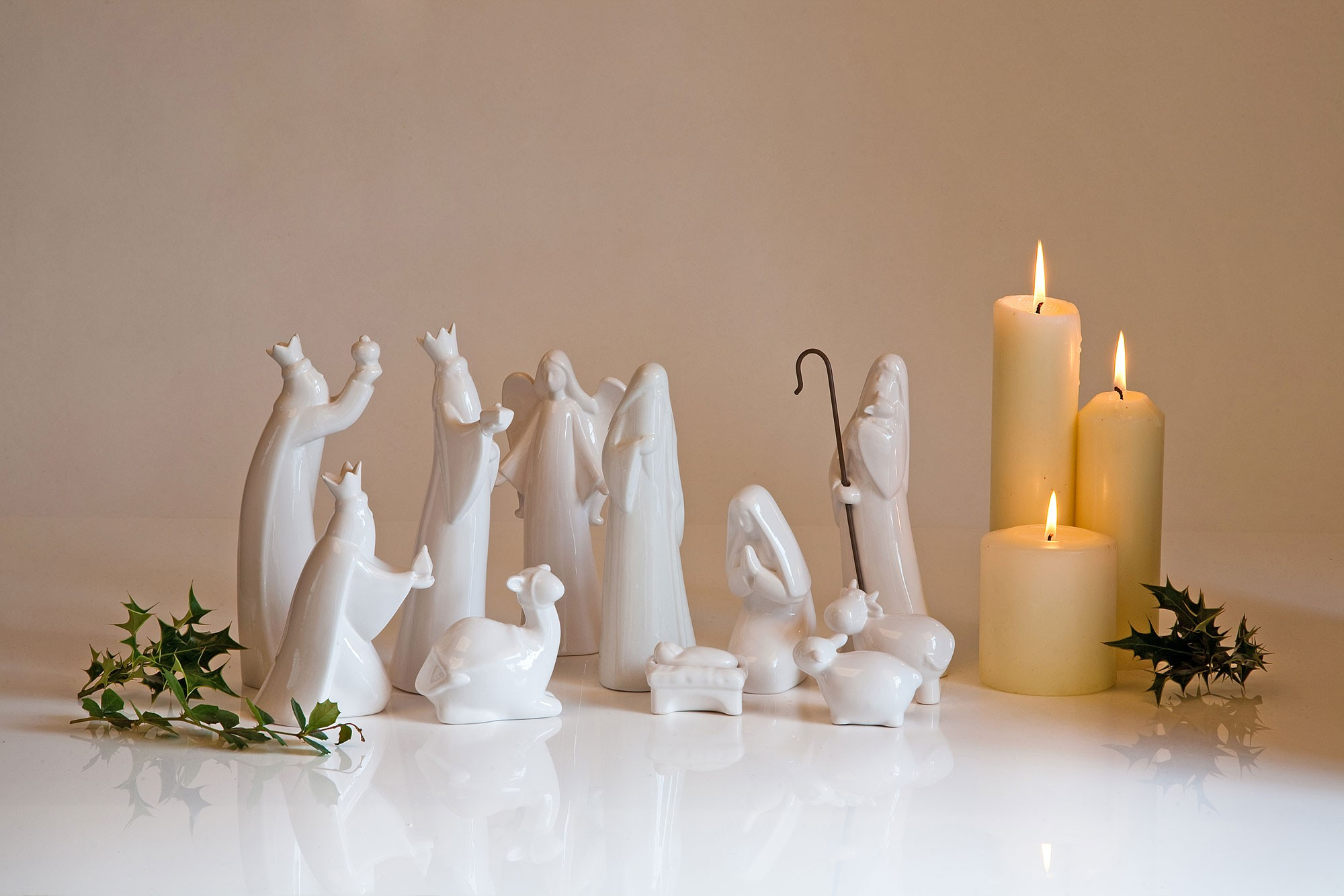 chic nativity sets made of white ceramic for christmas decoration ideas