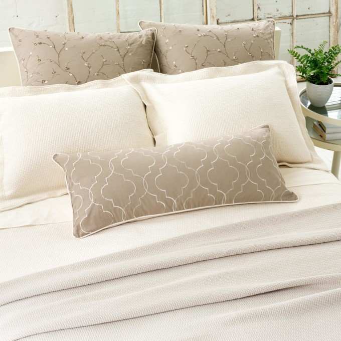 Chic Pine Cone Hill Interlaken Matelasse Coverlet In White And Tan With Floral Pattern For Bed Ideas