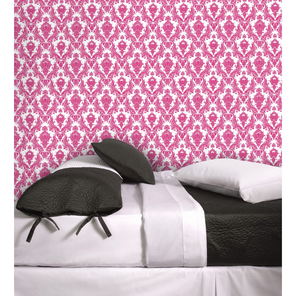 chic White and Fuschia tempaper wallpaper plus cute bedding for bedroom decor ideas