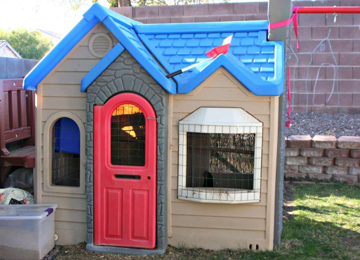 cute little tikes playhouse made of plastic with blue roof for chic playground decor ideas
