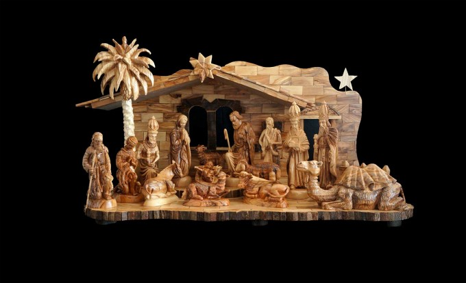 Cute Nativity Sets In Cream Theme For Christmas Decoration Ideas