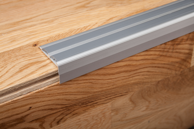 edging laminate flooring using schluter strip ideas