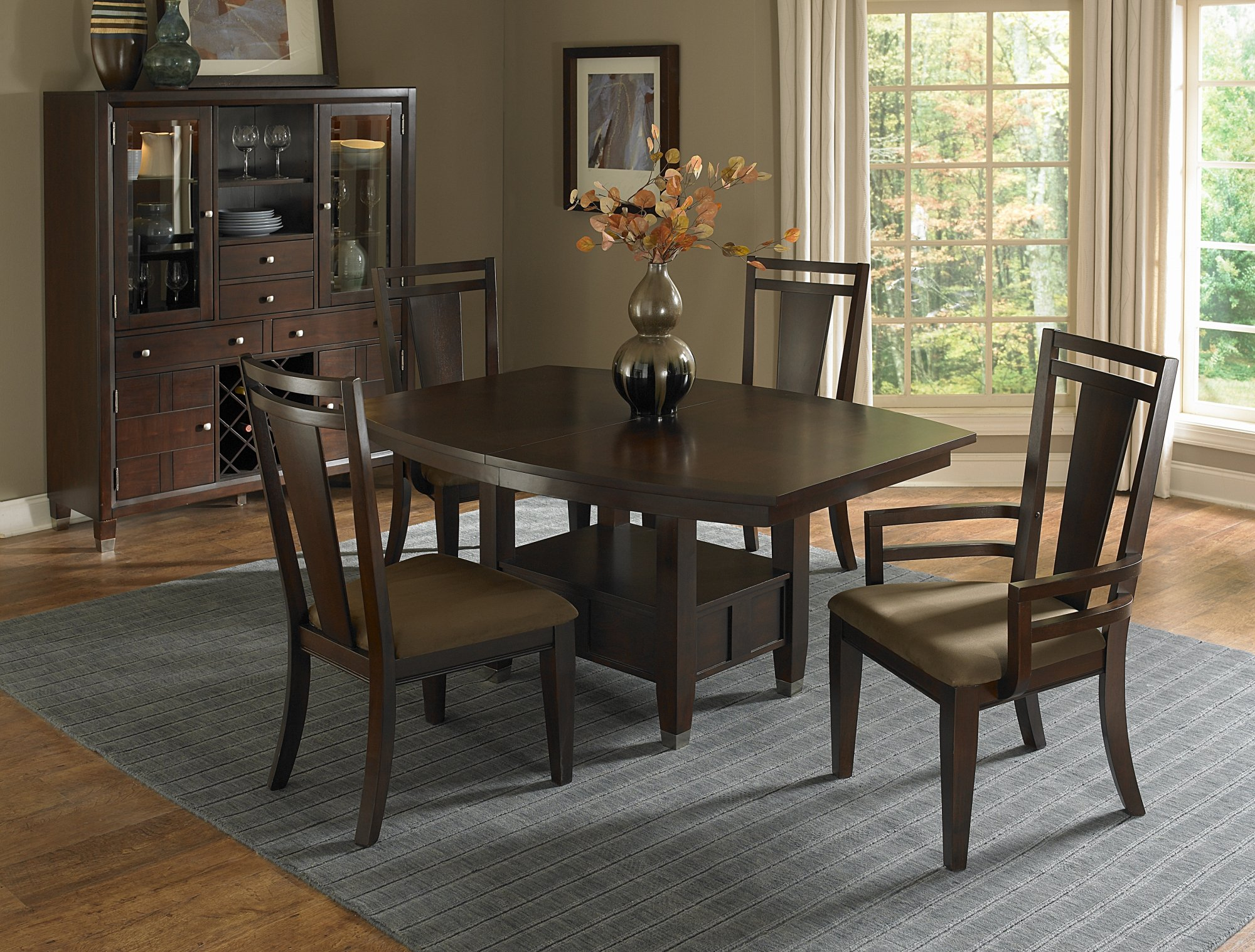 elegant dining table set by broyhill furniture on gray rug and wooden floor for dining room decor ideas