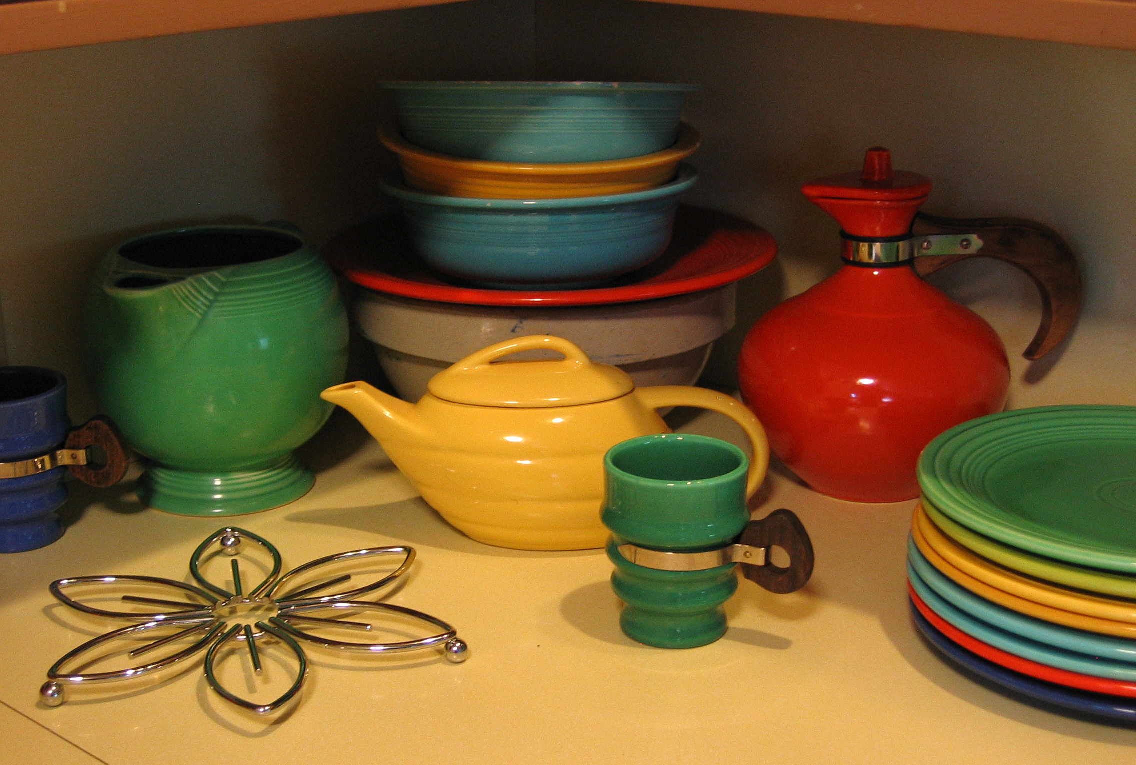 Awesome Collections Of Fiestaware For Dinnerware Ideas: Embracing Mid Century Modern Style Of Fiestaware For Dinnerware Ideas