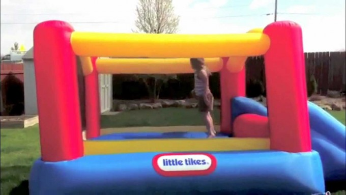 Large Little Tikes Bounce House Made Of Caoutchouc For Play Yard Ideas