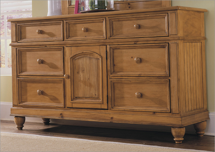 Lovely Mocha Wooden Dresser With Seven Drawers By Broyhill Furniture For Home Furniture Ideas