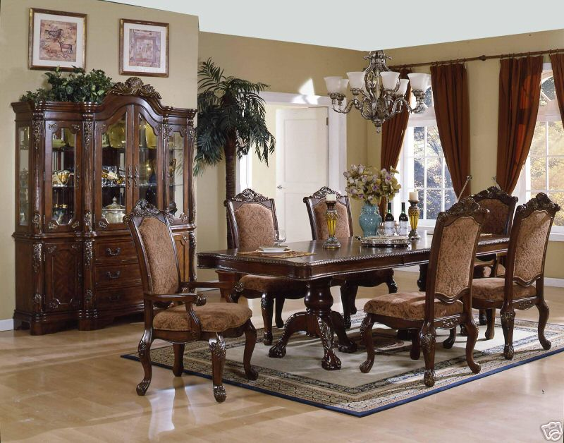 Filled Your Home With Broyhill Furniture Ideas: Luxury Dining Table Set By Broyhill Furniture Under The Chandelier For Dining Room Decor Ideas