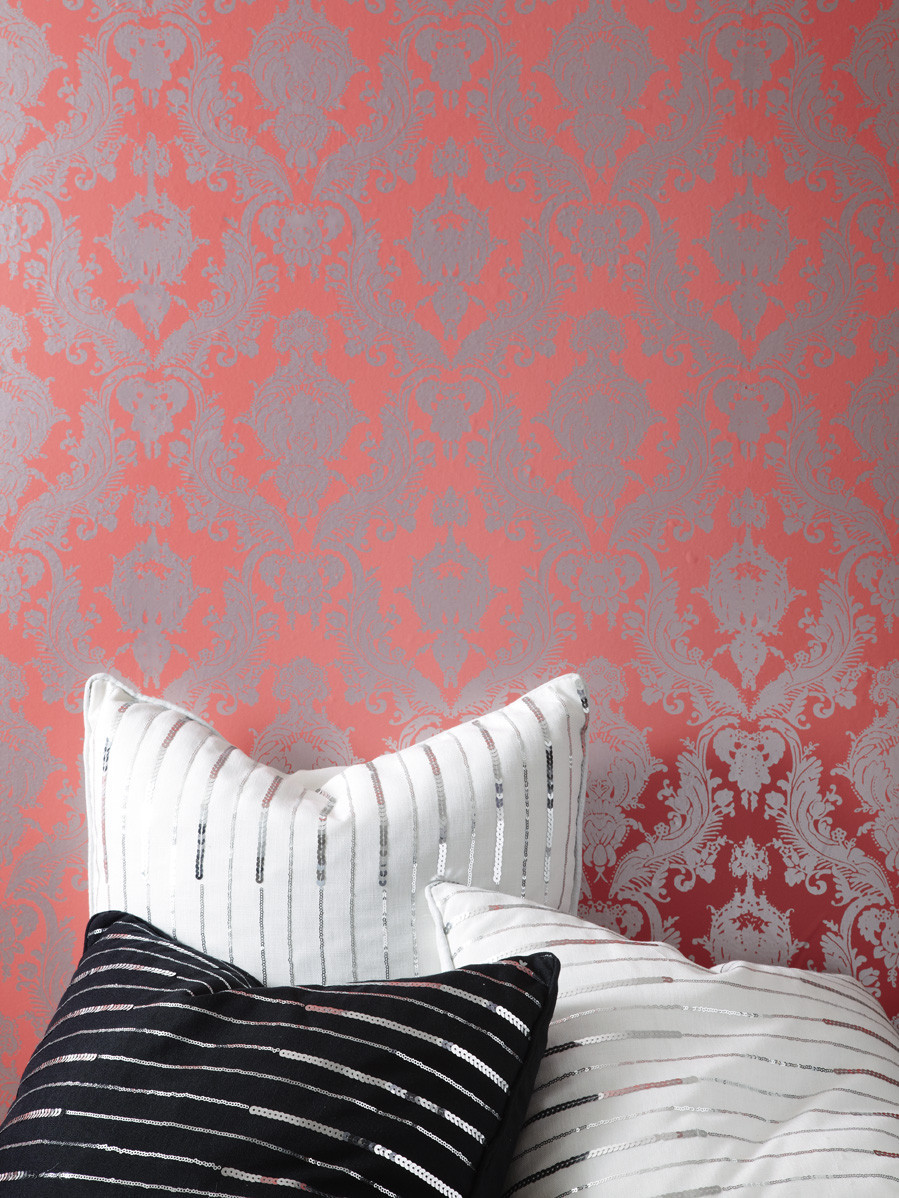 Modern tempaper wallpaper in charming motif design and color for interesting wall decor ideas
