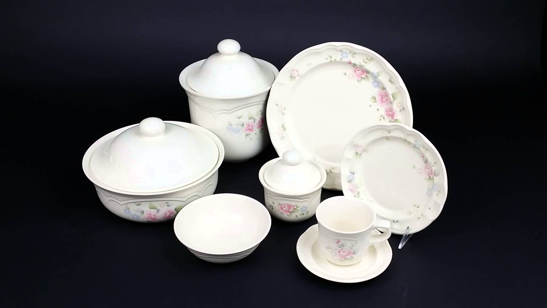 Pfaltzgraff China Tea Rose Pattern Pink Roses and Blue Flowers for lovely dinnerware ideas