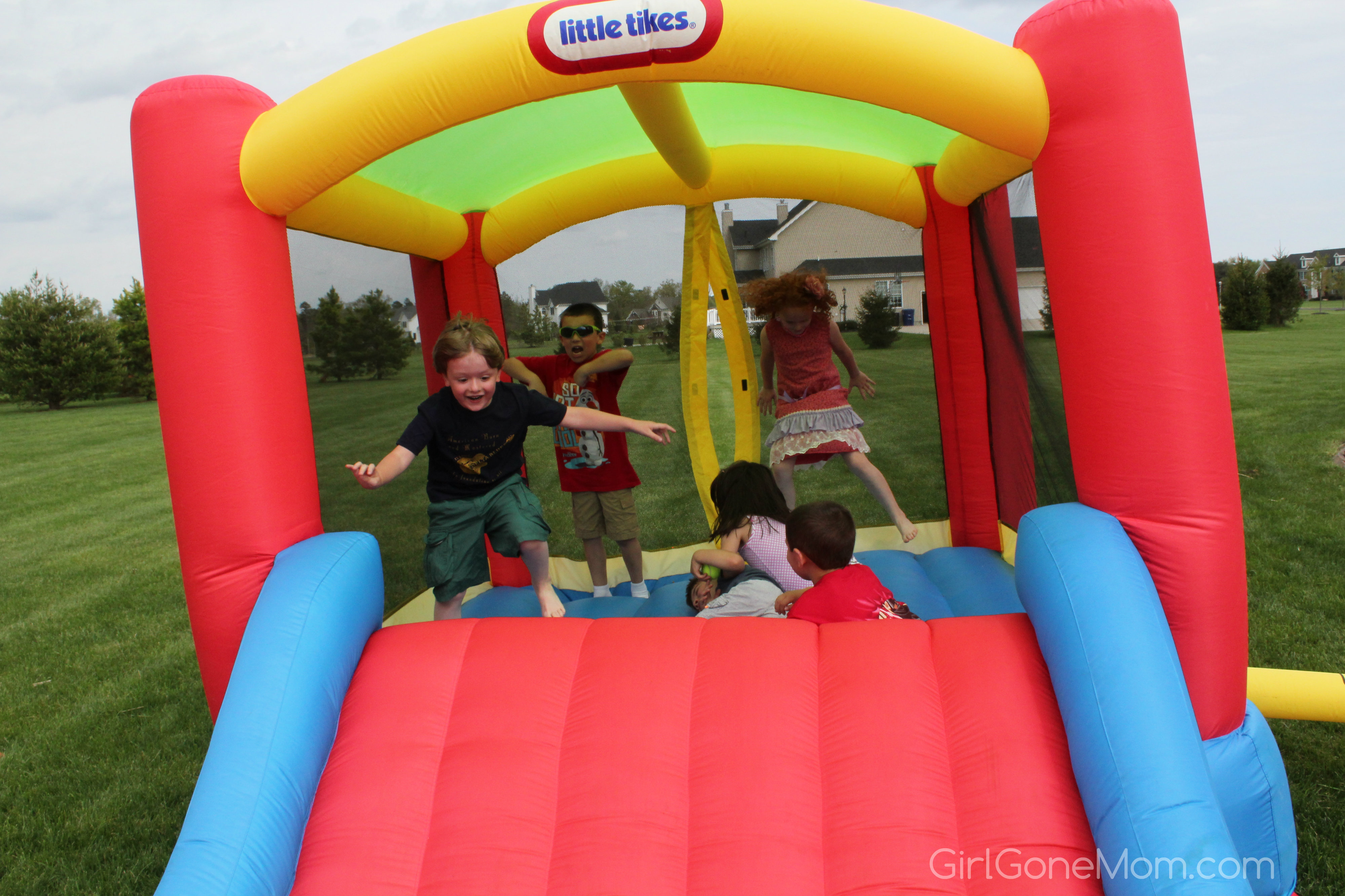 Pretty Little Tikes Bounce House Made Of Caoutchouc With Slide For Play Yard Ideas