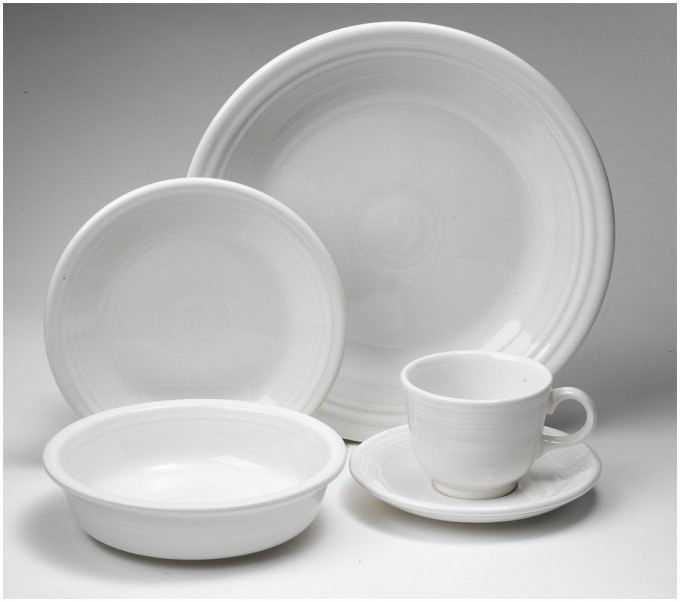 Wonderful 5 Pieces Place Setting By Fiestaware In White Theme For Dinnerware Ideas