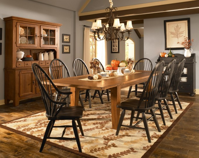 Wonderful Black Wooden Dining Chairs And Brown Dining Table By Broyhill Furniture On Floral Rug For Dining Room Decor Ideas