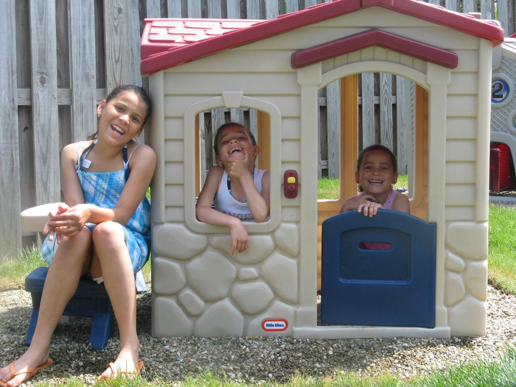 Wonderful Palyground Decor With Little Tikes Playhouse Made Of Plastic With Red Roof Ideas