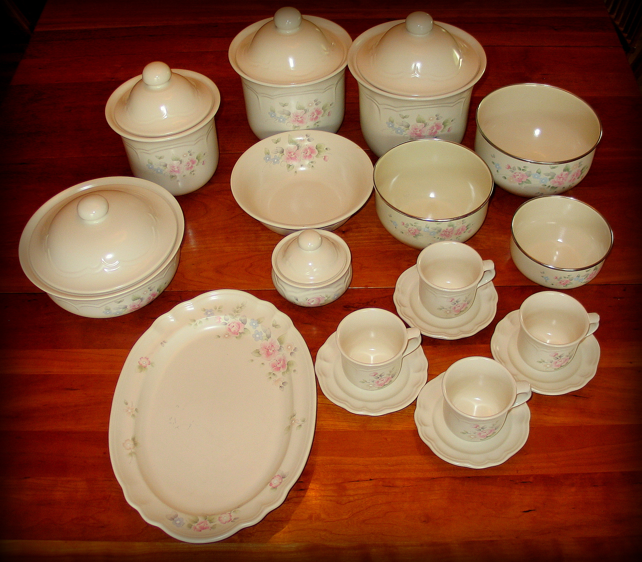 wonderful pfaltzgraff tea rose set